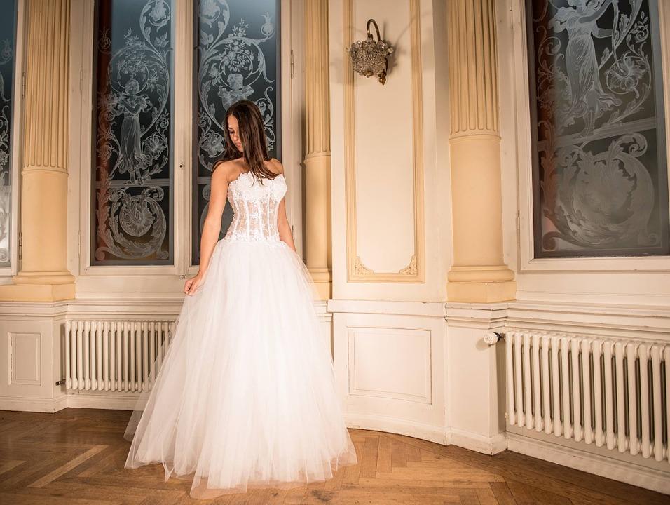 Bride wearing ball gown wedding dress