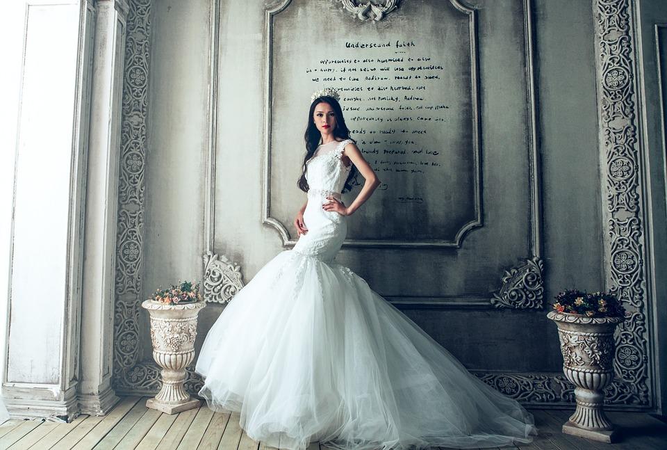 Girl in mermaid wedding dress