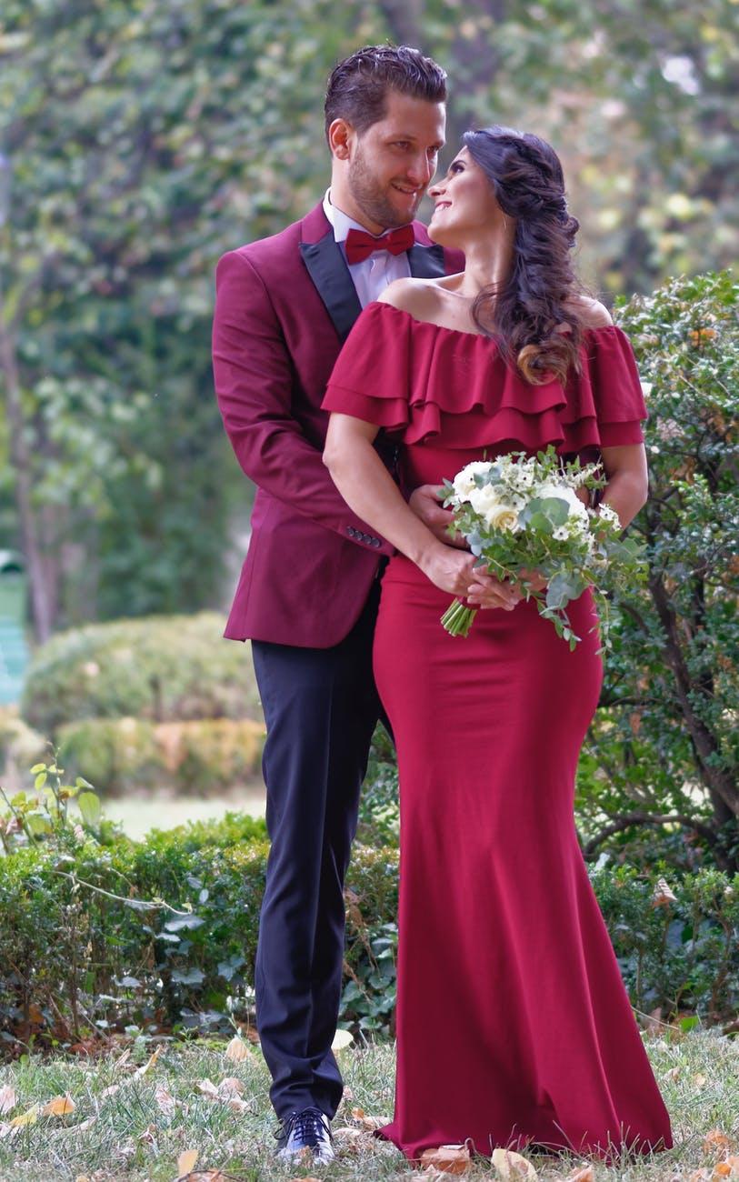 the-holiday-wedding