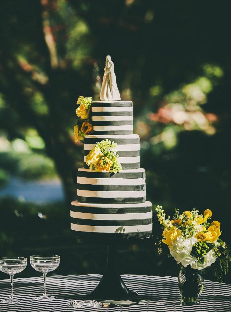 Black themed cake for wedding