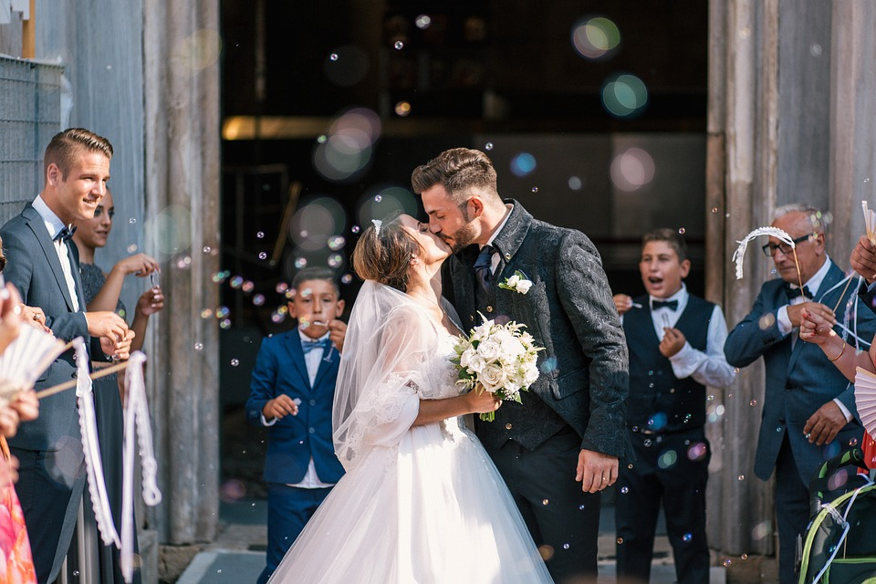 classical brides and groom photography style