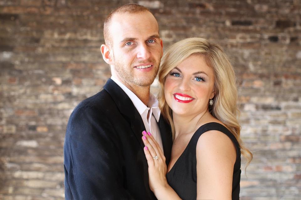 Classical couple photo shoot on wedding day