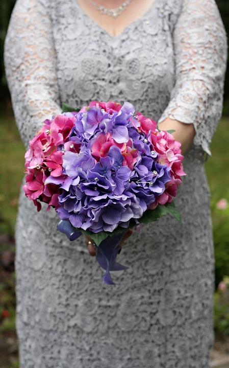 hydrangea bouquet for bride