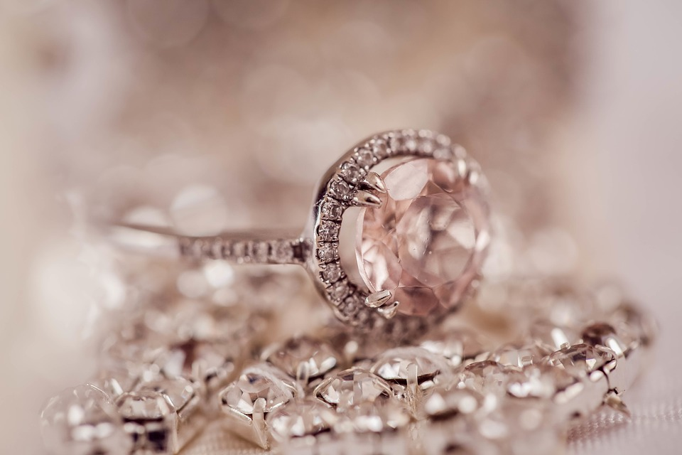 Beautiful morganite engagement ring