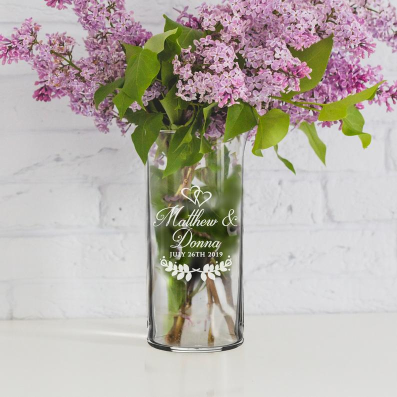 Personalized flower vase for wedding day