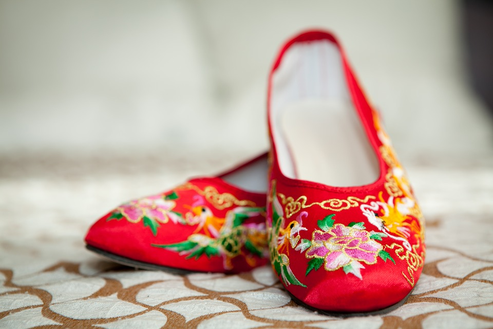 Traditional Chinese bridal shoes