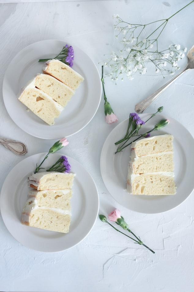 Vanilla cake on plate in wedding day