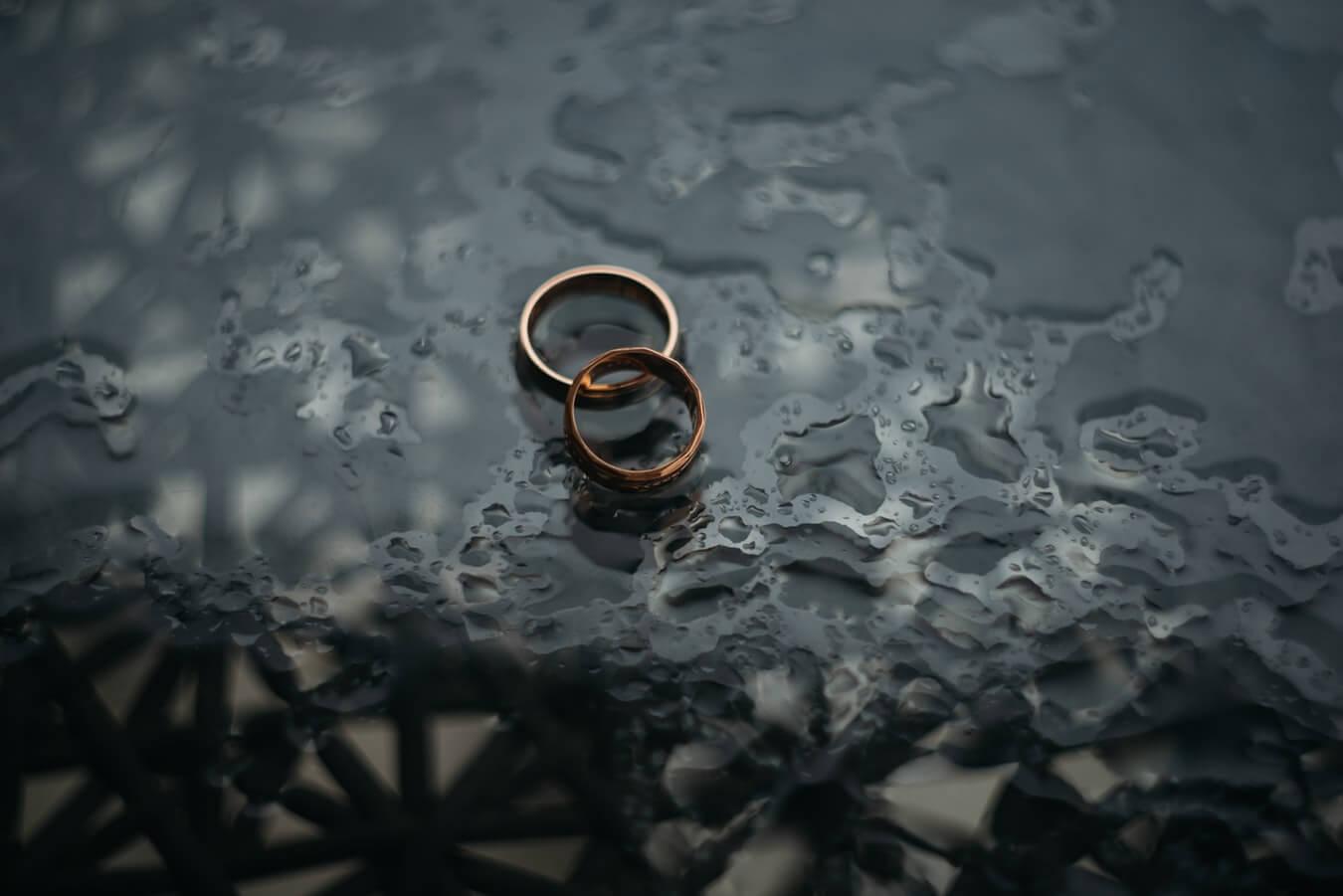 bronze-wedding-rings