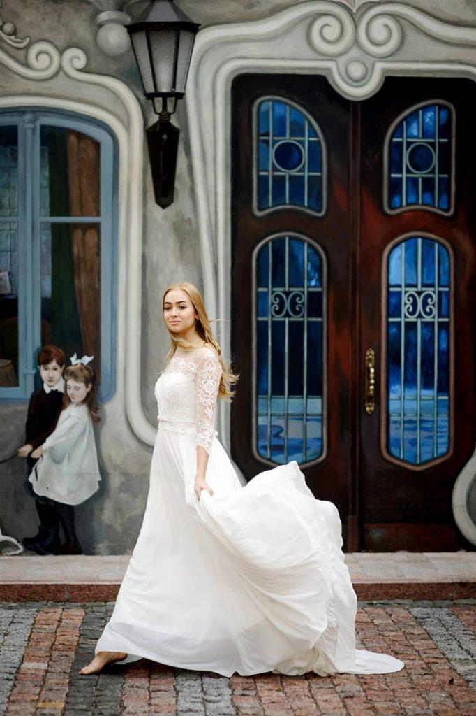 Bride wearing chiffon wedding dress