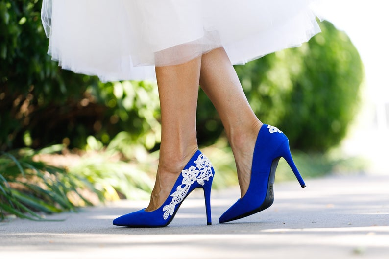 Bride wearing closed toe pumps