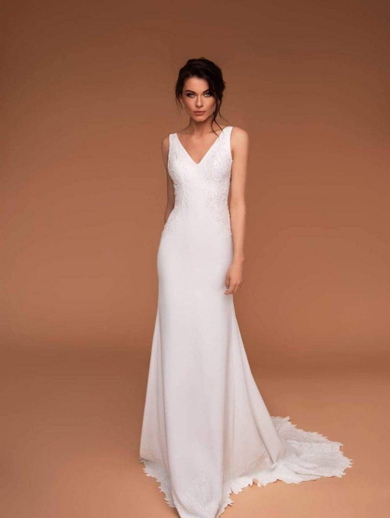 Bride wearing column style dress