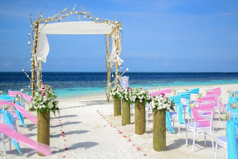 Destination wedding by the sea
