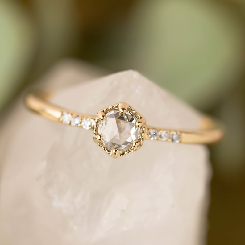 Rose cut ring in yellow gold
