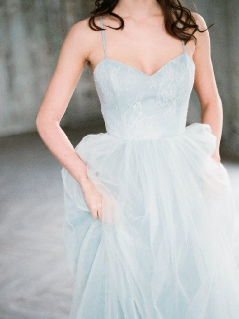 Bride wearing tulle wedding dress