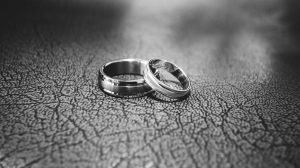 Tungsten wedding bands pros and cons