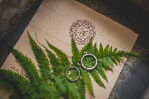 Non-cunductive wedding rings guide