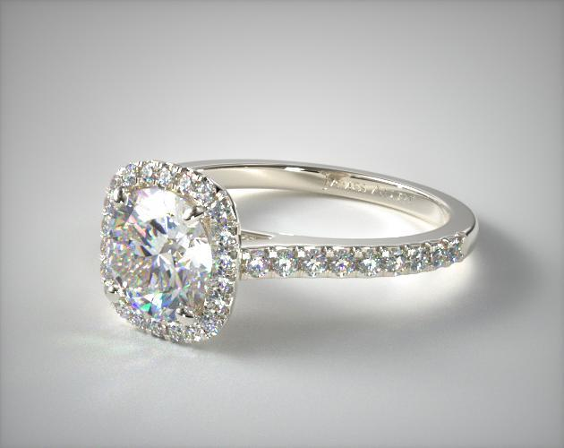 White gold ring with round shape diamond
