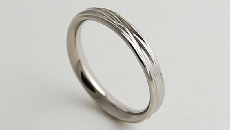women's titanium wedding ring