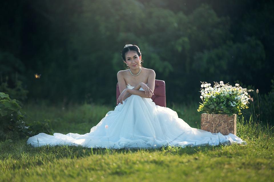 Jewelry for wedding dress