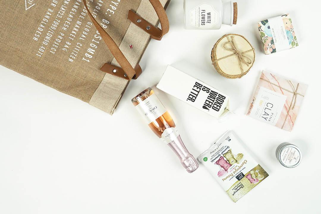 summer-wedding-welcome-bags