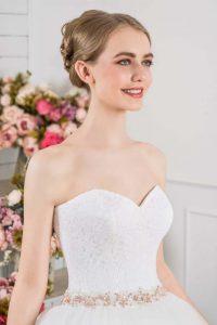 Bride wearing sweetheart neckline wedding dress