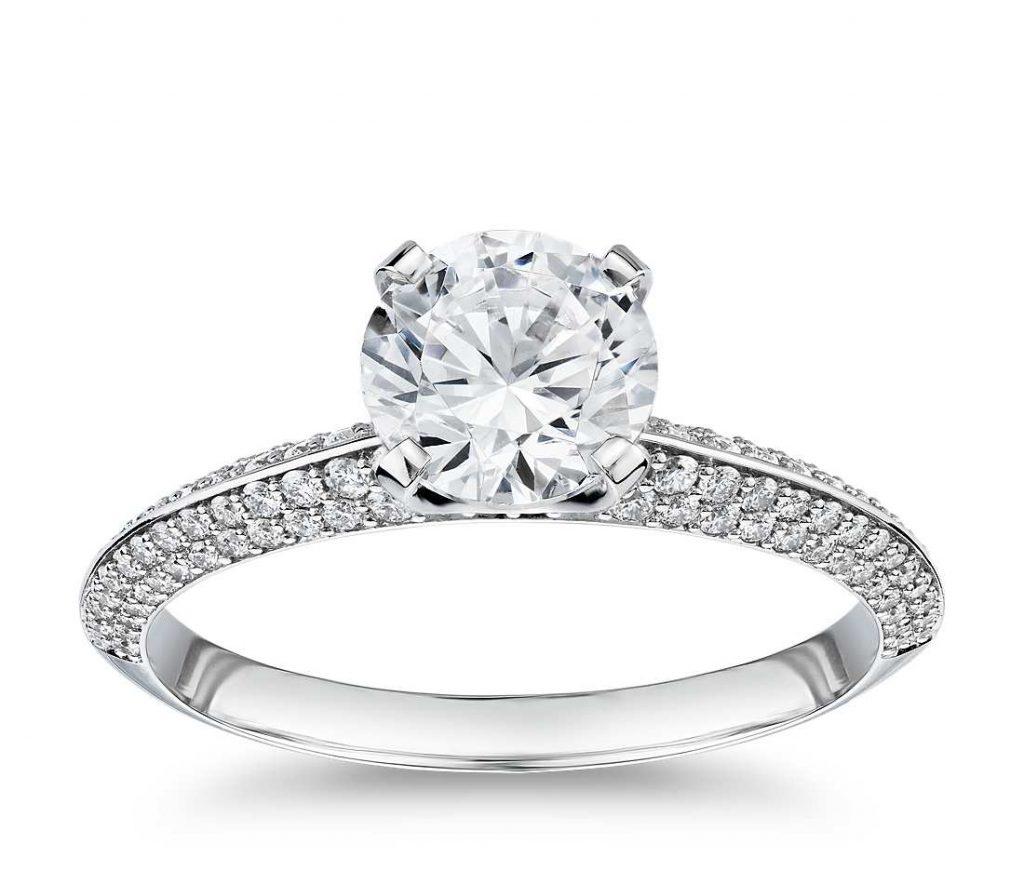 thinner band ring makes diamond look bigger