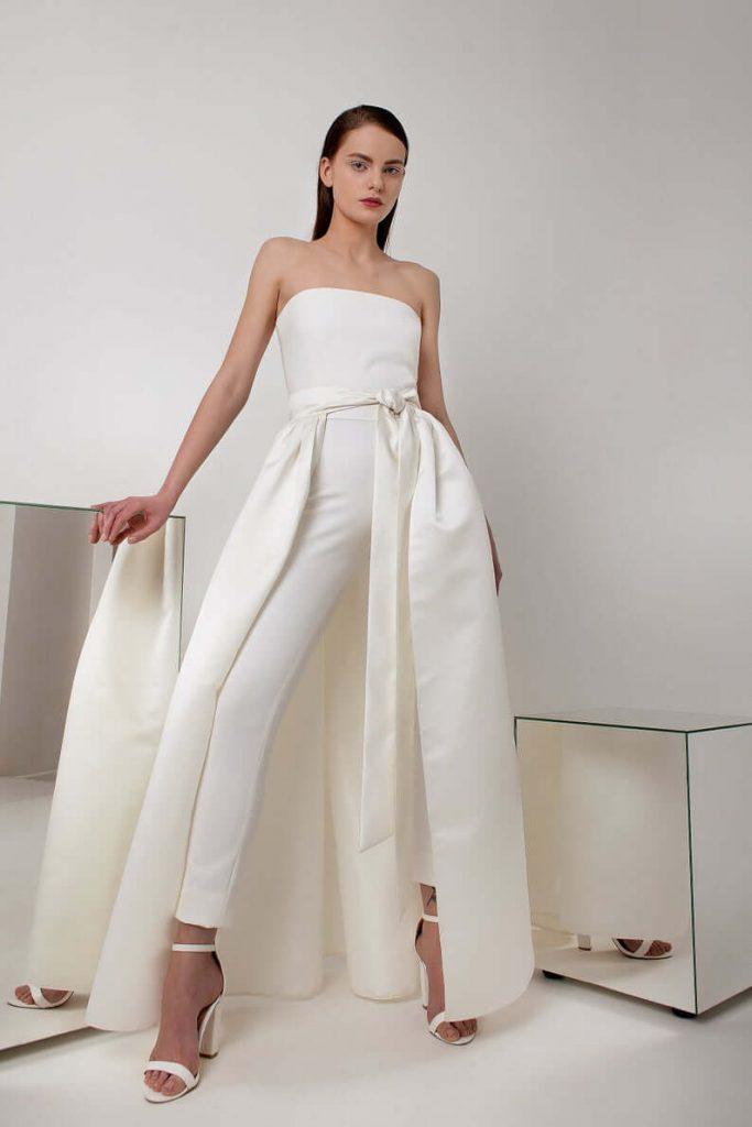 Bride wearing wedding pantsuit