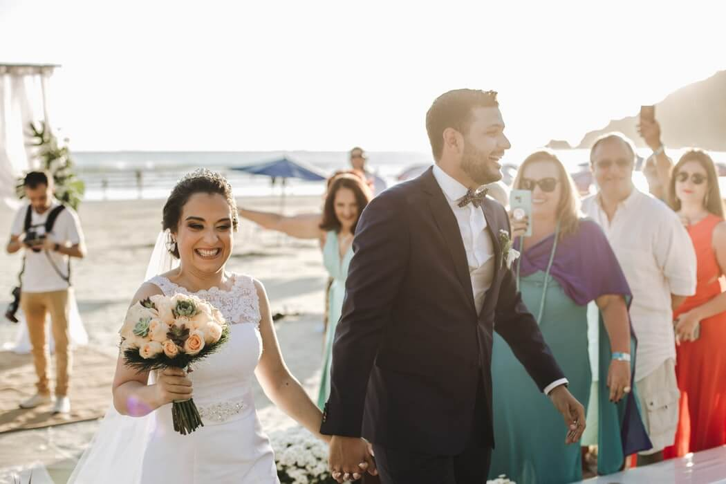 what-to-wear-to-casual-beach-wedding