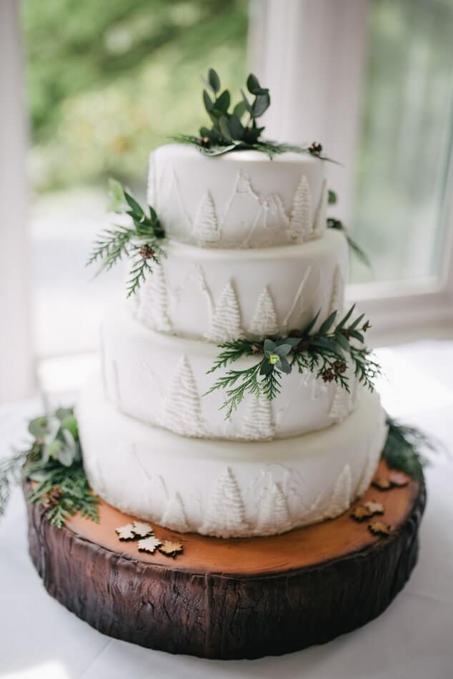 winter-wedding-cake