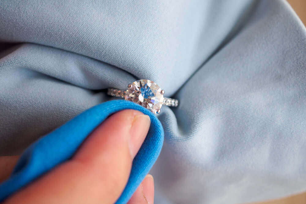 cleaning moissanite ring