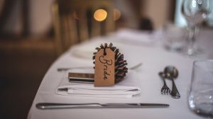 Creative wedding place cards and holders ideas