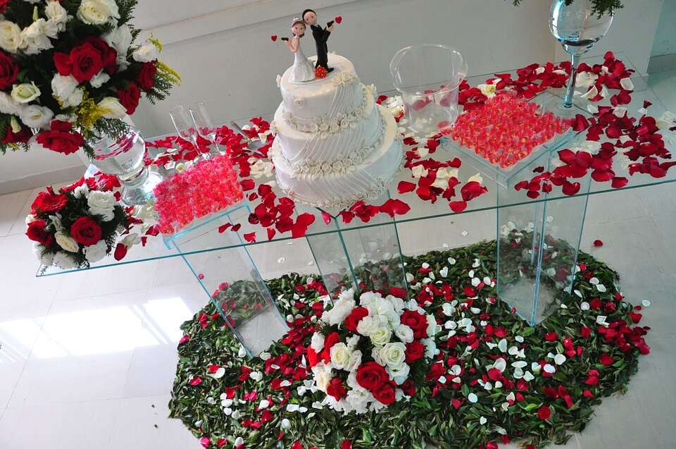 Decorated wedding cake table