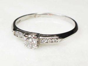 1940s inspired diamond ring