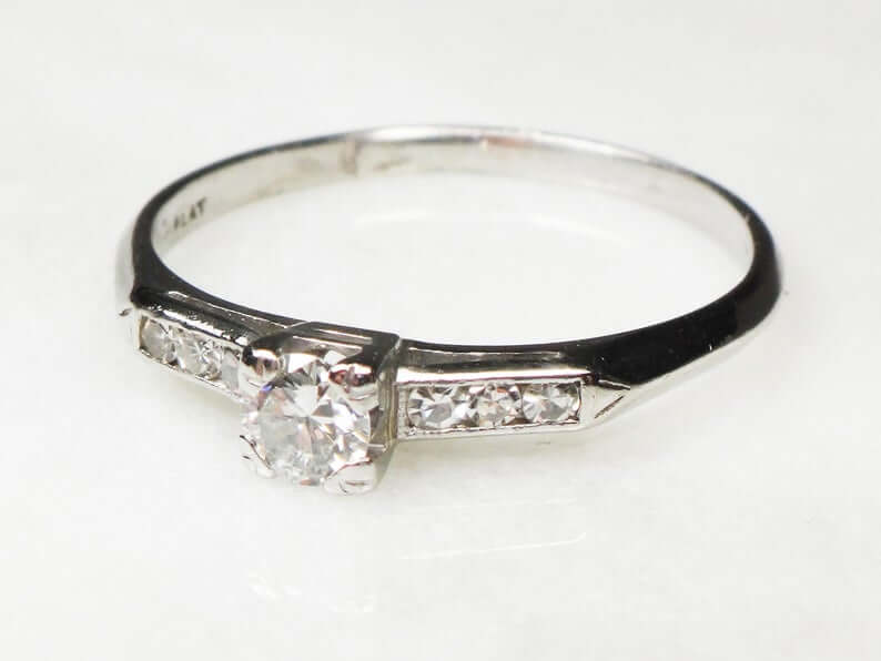 1940s inspired diamond ring