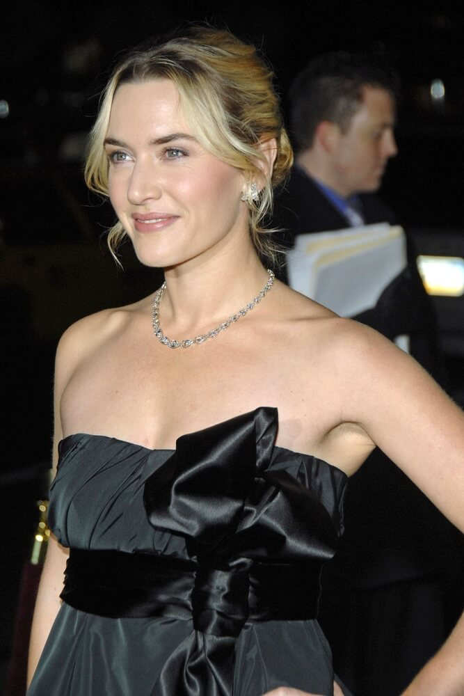 Kate Winslet wearing diamond necklace
