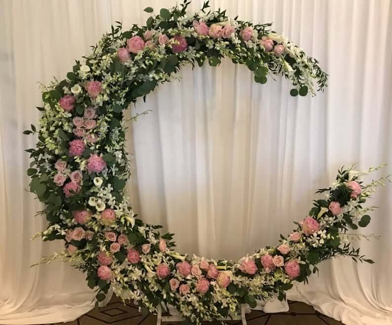 Flower moon-crescent wedding arch