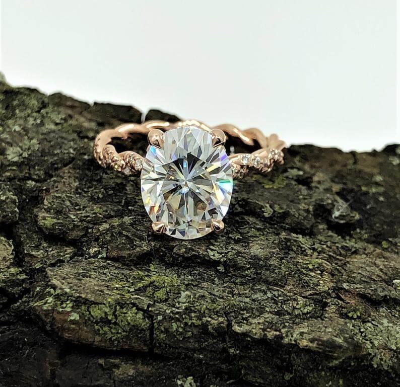 oval shape moissanite engagement ring