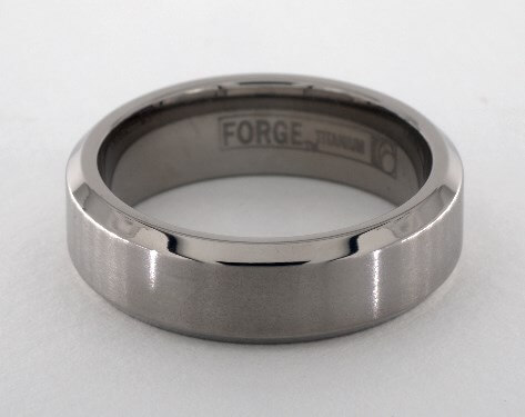 Men's titanium wide wedding ring
