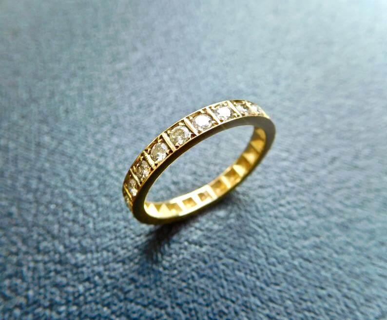 Vintage 1920s eternity ring