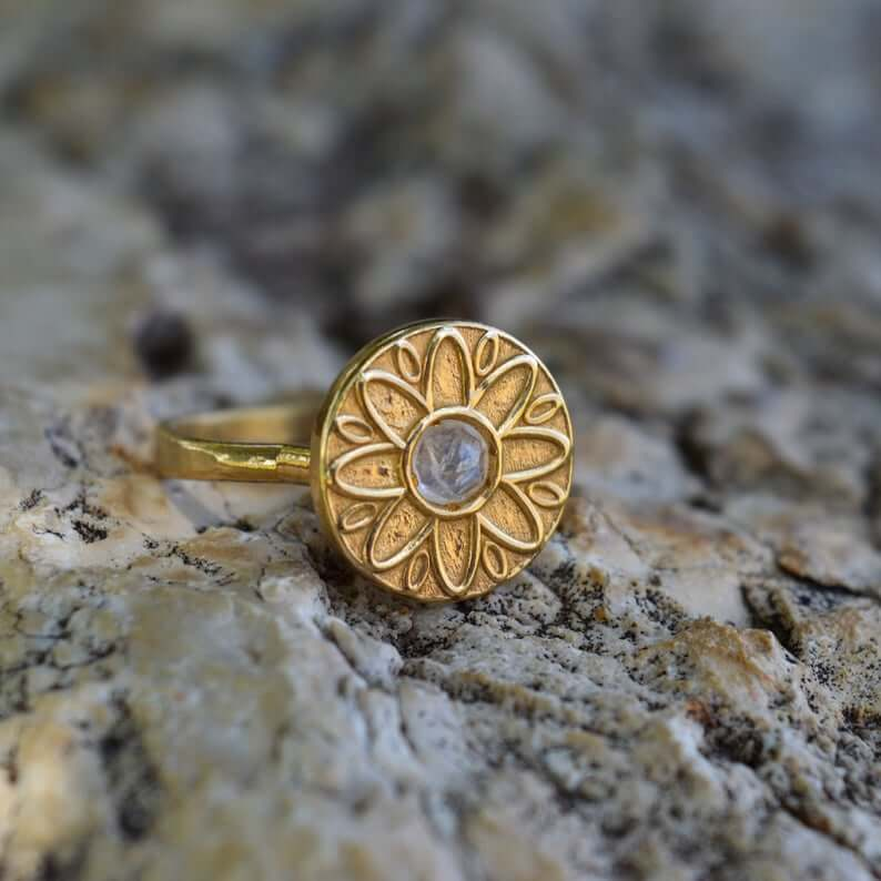 Vintage gold moonstone ring