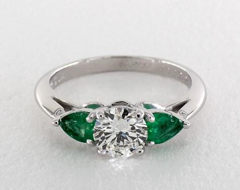 SI2 three stone diamond ring