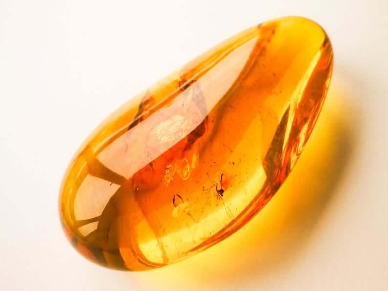 Loose amber closeup