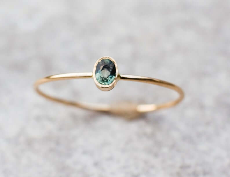 Bezel setting green sapphire engagement ring