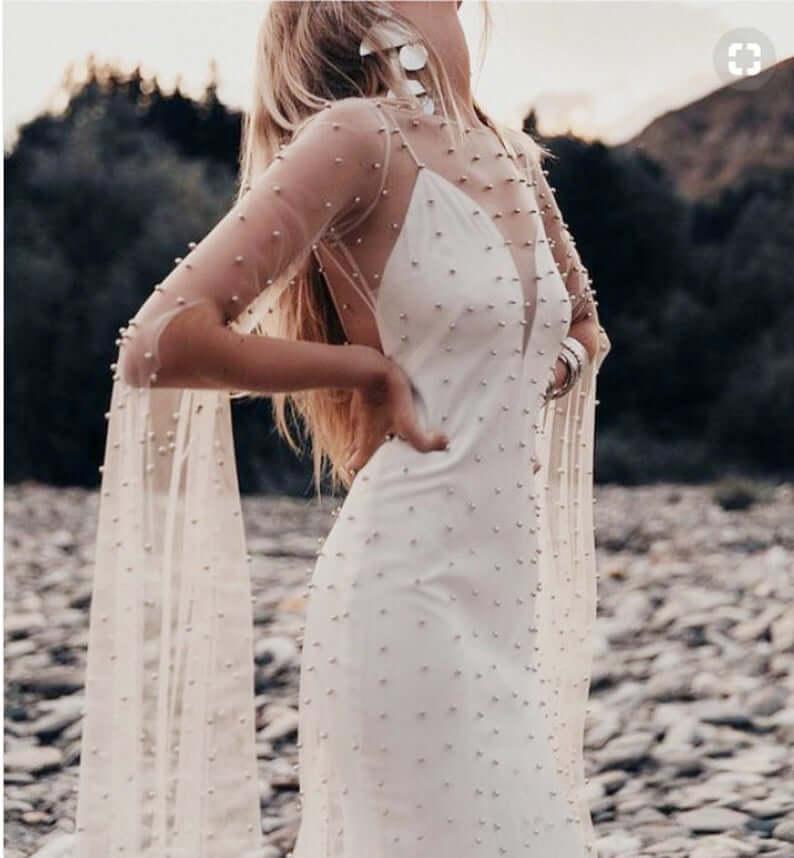 Bride with white illusion wedding dress