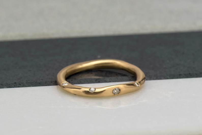 Beautiful organic flush set wedding ring