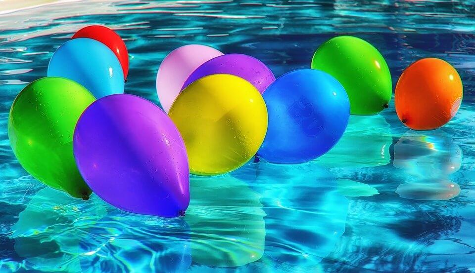 balloons on water