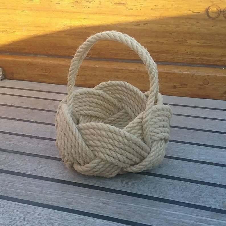 Rope flower basket