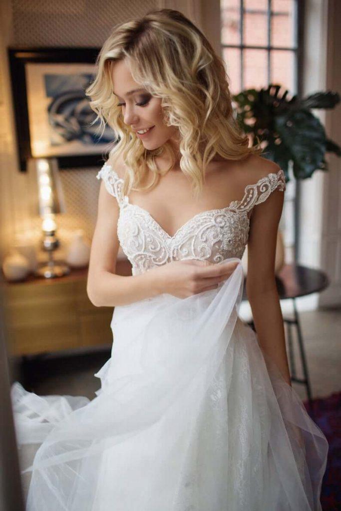 Sweetheart neckline illusion wedding dress