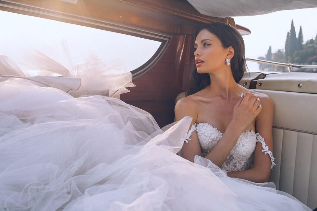 Bride with tulle dress
