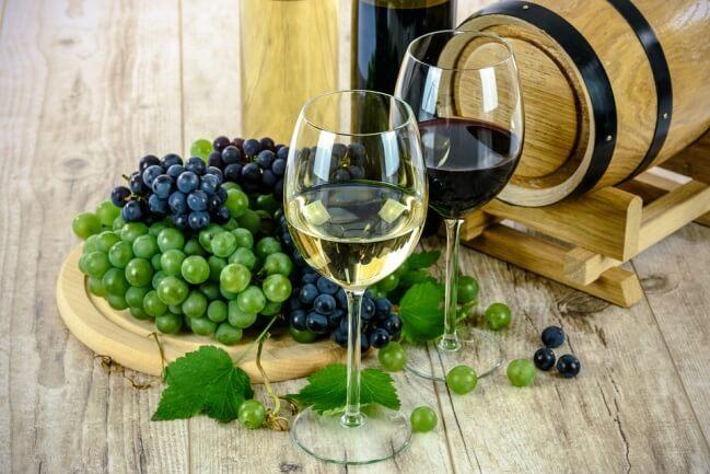 Wine and grape closeup